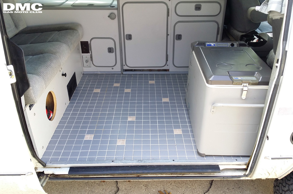 1987_vanagon_westfalia_floor-01