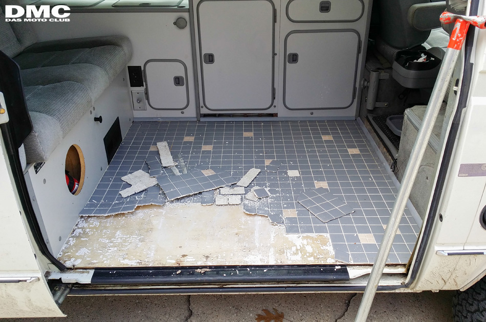 1987_vanagon_westfalia_floor-03
